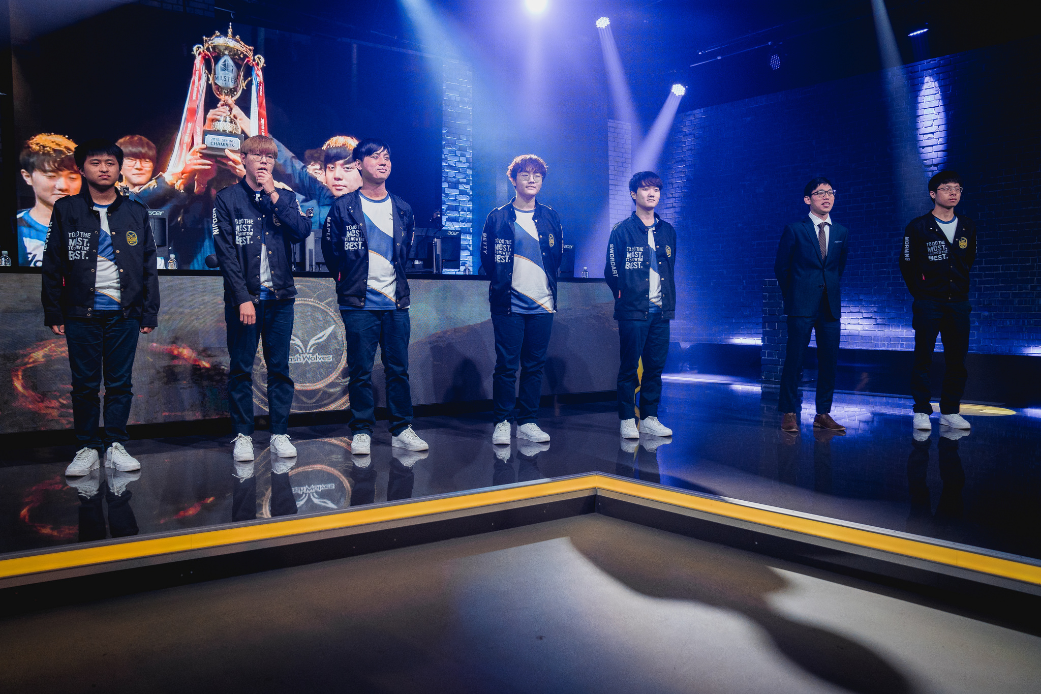 Flash Wolves come out swinging on the first day of MSI
