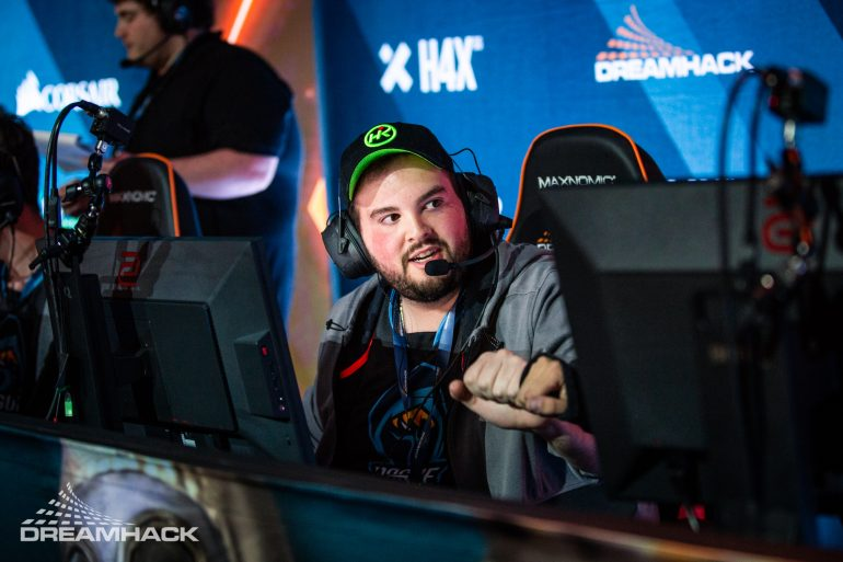 Hiko finishes his last VALORANT beta match with a knife ace