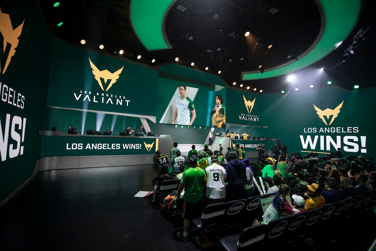 Los Angeles Valiant removes coaches Stoop and Reprize