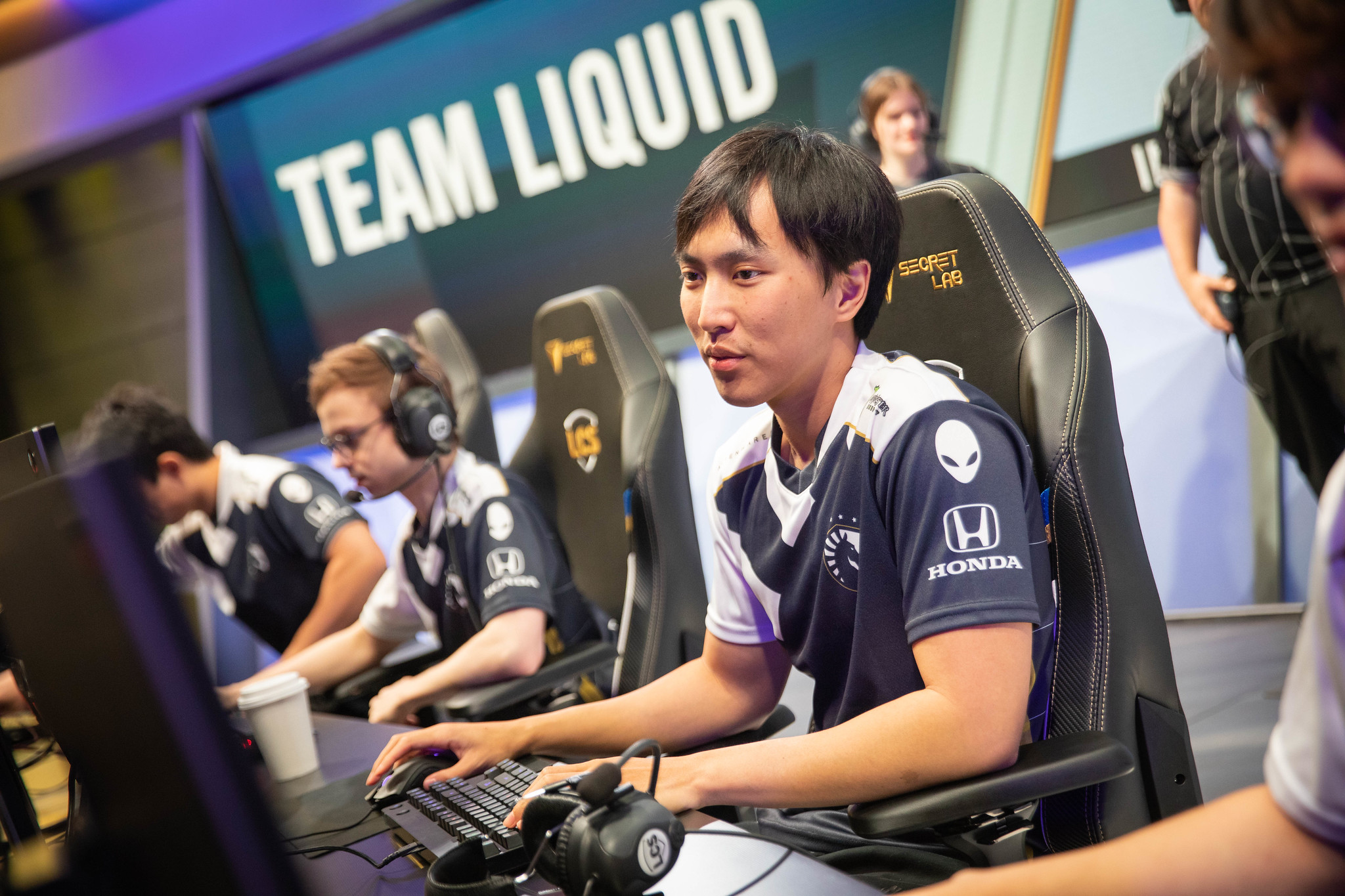 Doublelift carries Liquid to clean win over CLG during 2020 LCS Spring Split week 4