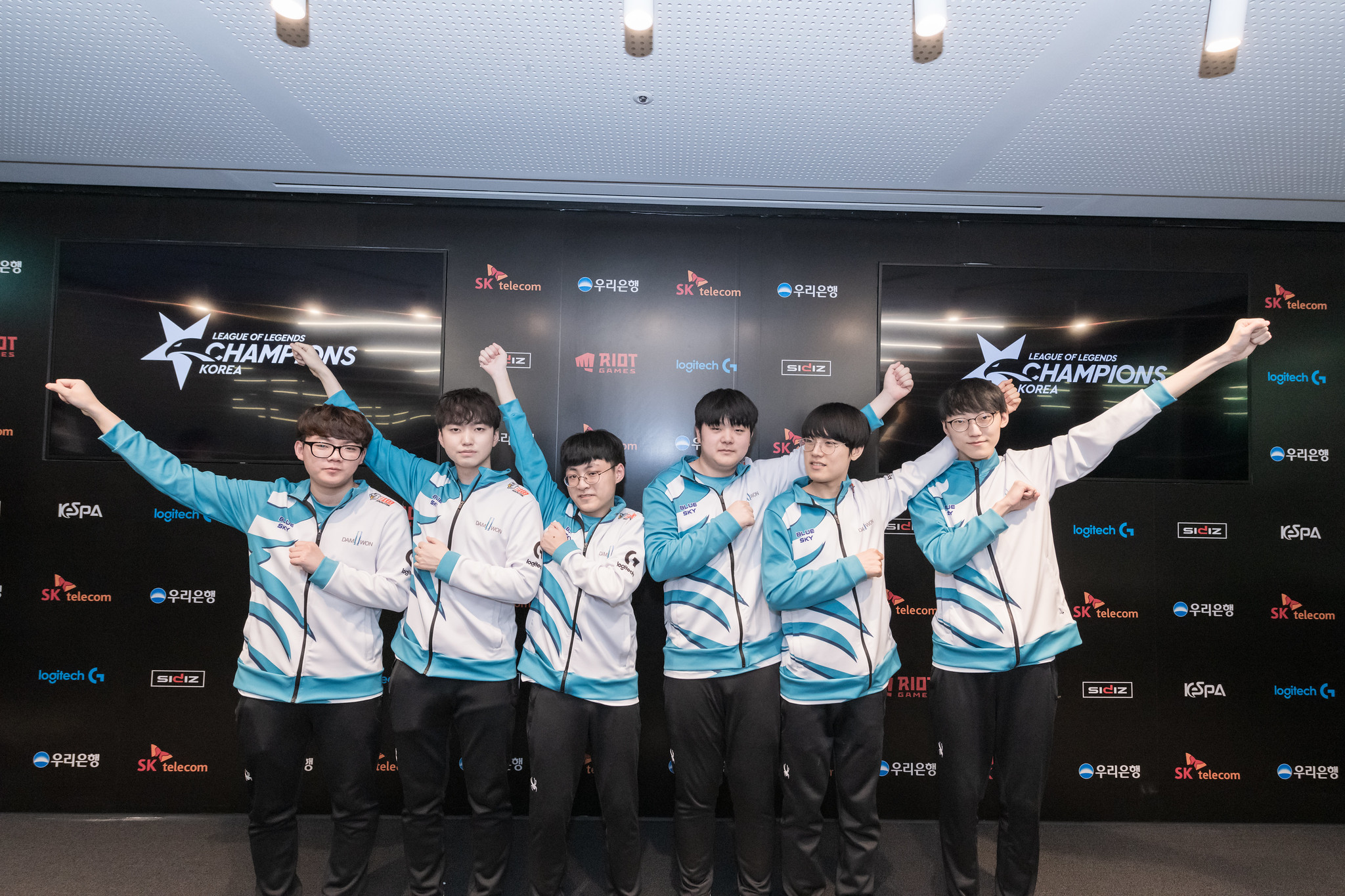 Damwon Gaming upset T1 in 47-minute slugfest at 2020 Mid-Season Cup