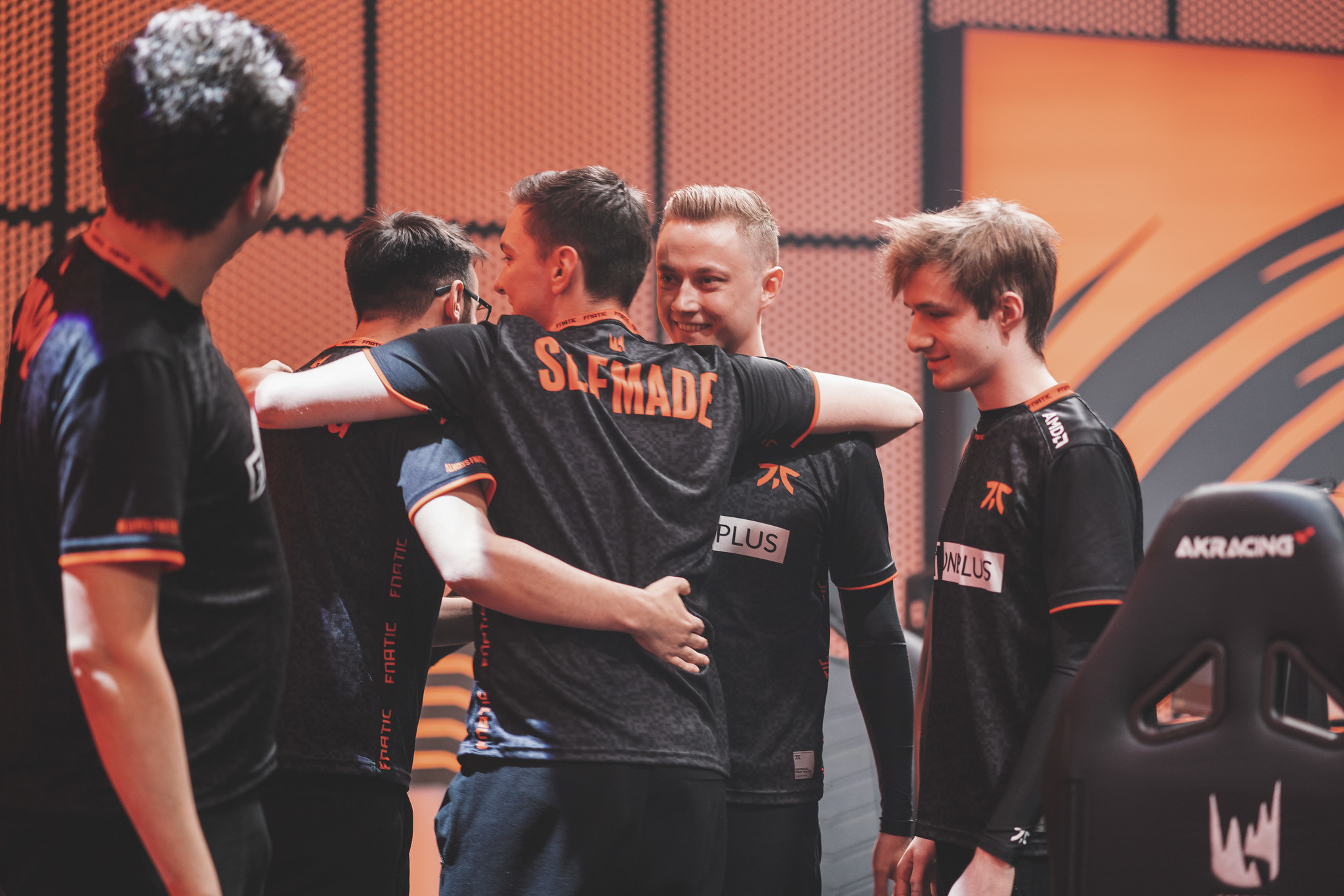 Fnatic tie for second place in LEC with win over MAD Lions