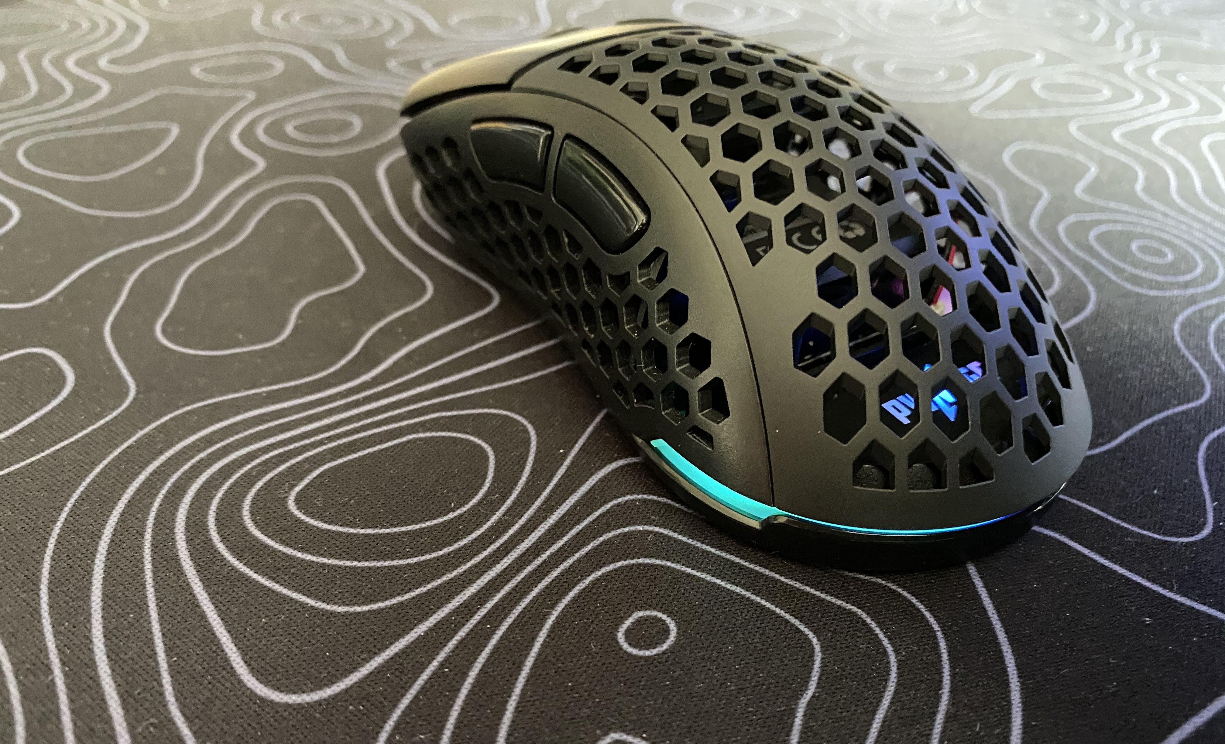 Close to perfection: Pwnage Ultra Custom lightweight wireless mouse review