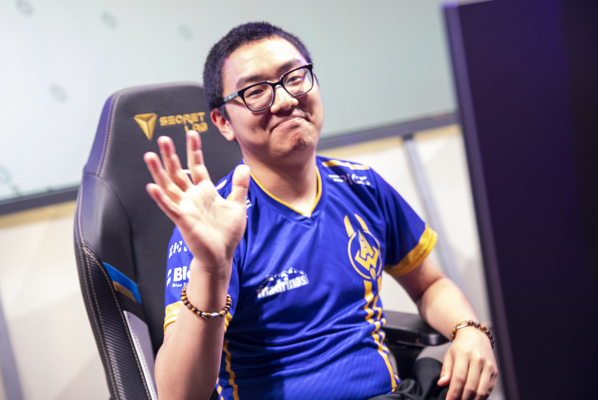 Dignitas parts ways with Olleh