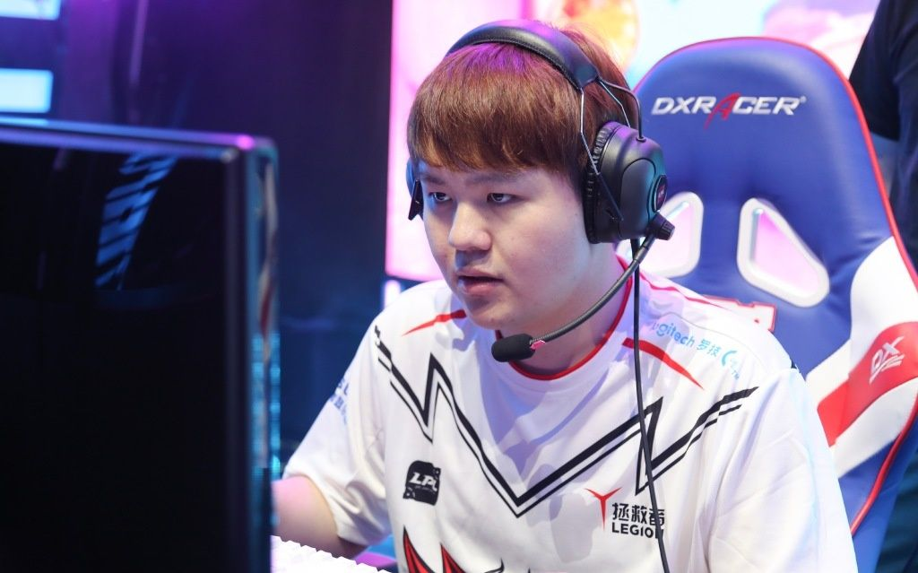JD Gaming force 3-way tiebreaker in Mid-Season Cup