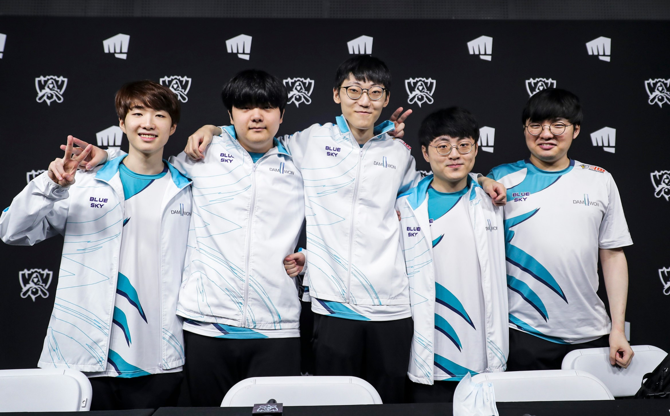 DAMWON Gaming topple over Suning in thrilling Worlds 2020 final, capture  Korea's first title in 3 years | Dot Esports