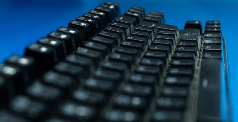 dirty mechanical keyboard