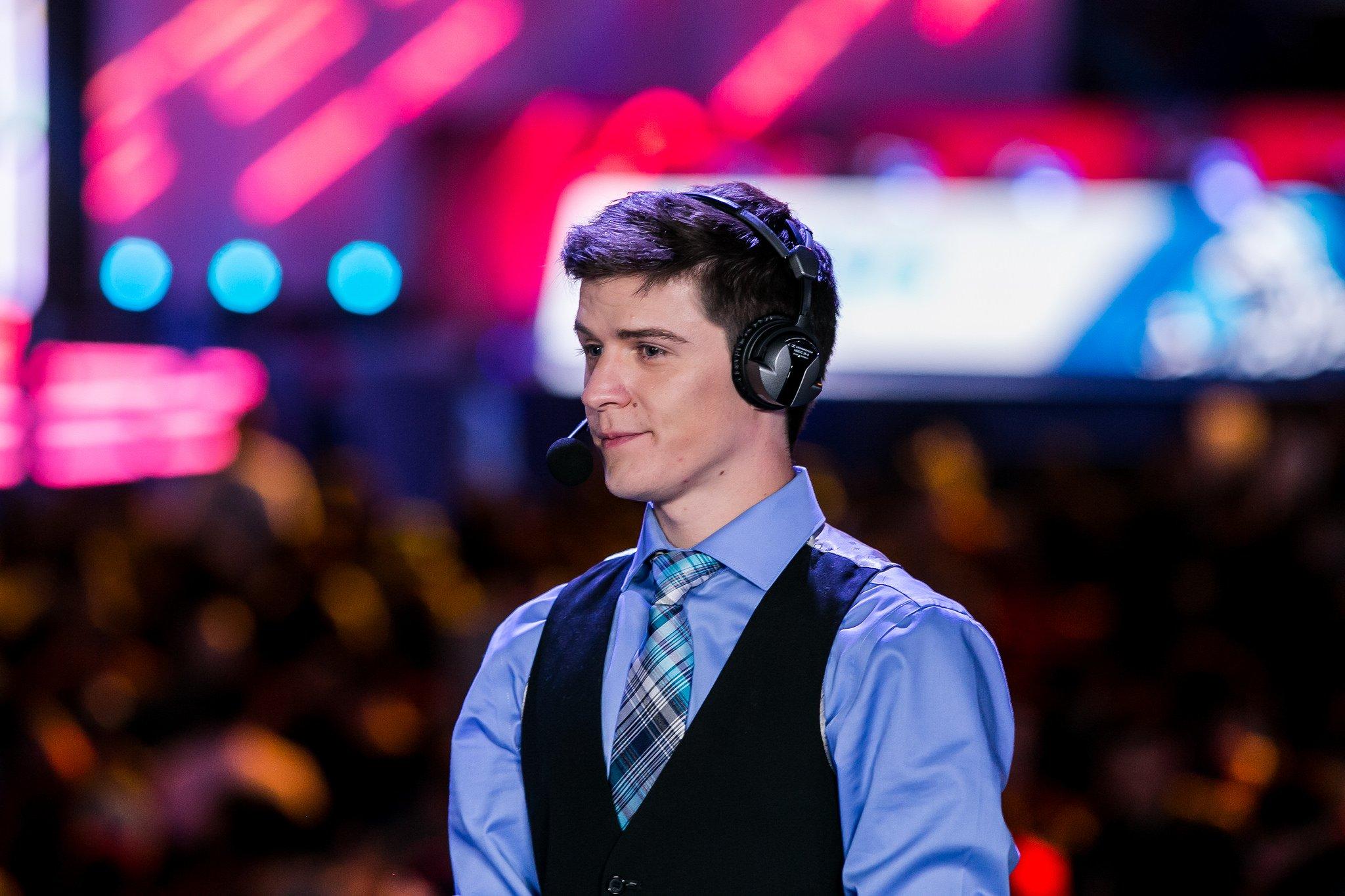 Se apaga un micrófono en Latinoamérica con la salida de José Pervan como comentarista de League of Legends